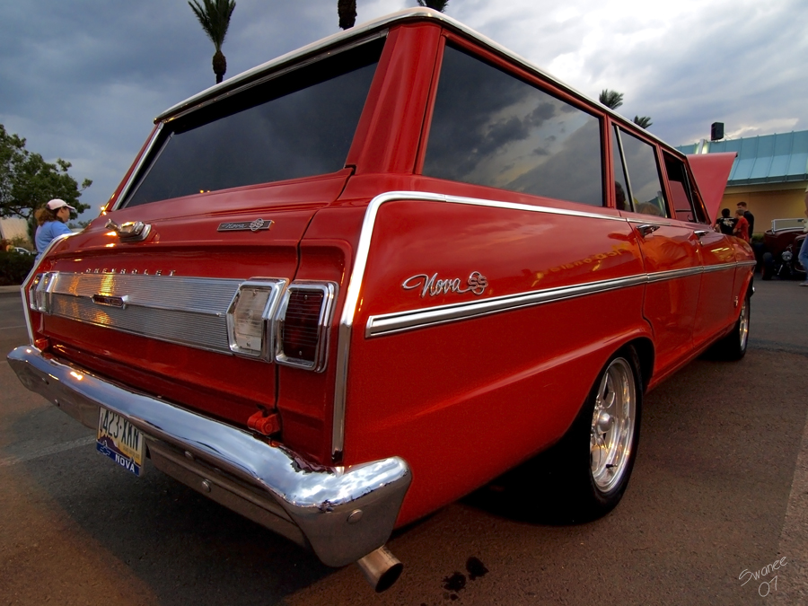 Red_Wagon_by_Swanee3.jpg