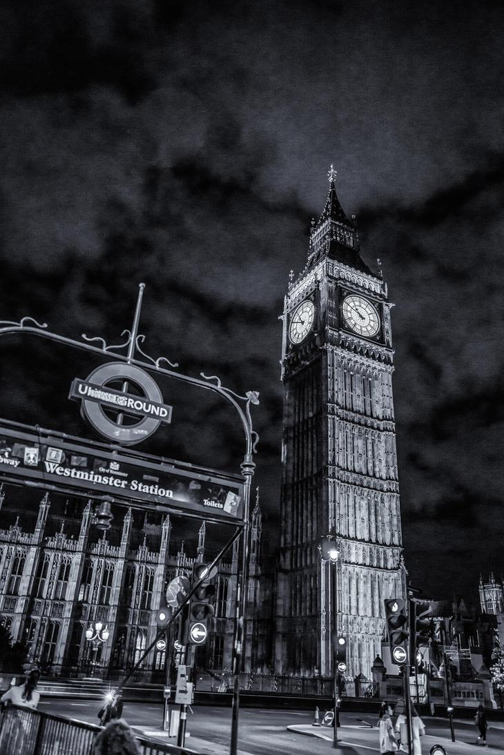 Metro Stop Big Ben by Gremlich