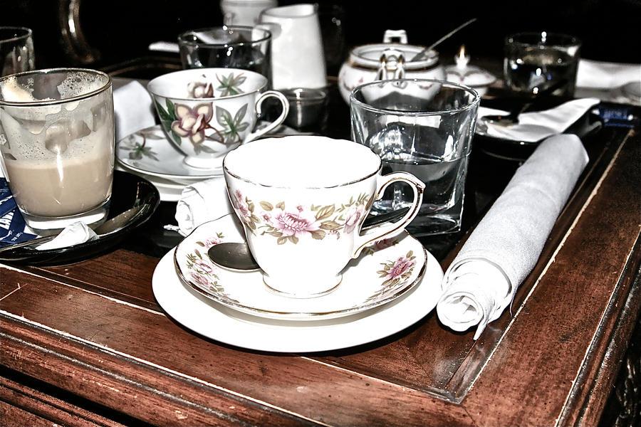 najromanticnija soljica za kafu...caj - Page 3 Tea_time__by_hannahharlequin-d3csqet