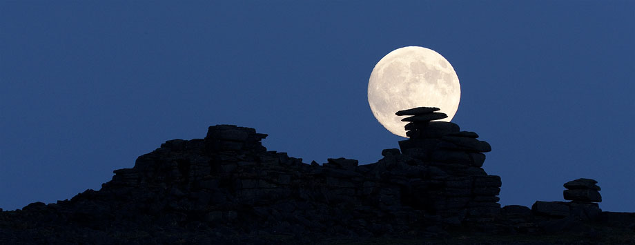 Staple Tor Moonrise by Alex37