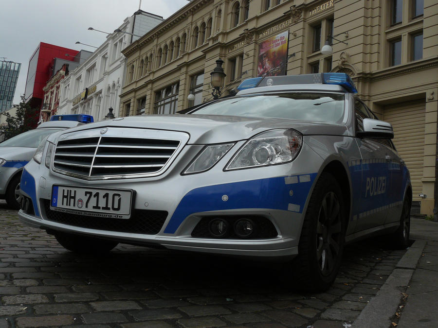 mercedes e klasse polizei hamburg by nessi6688 on deviantart