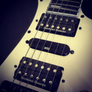 My Rg350 with Seymour Duncan PickUp