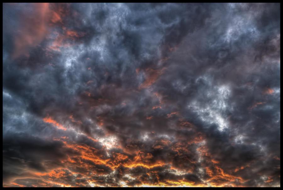Sunset sky by Pildik
