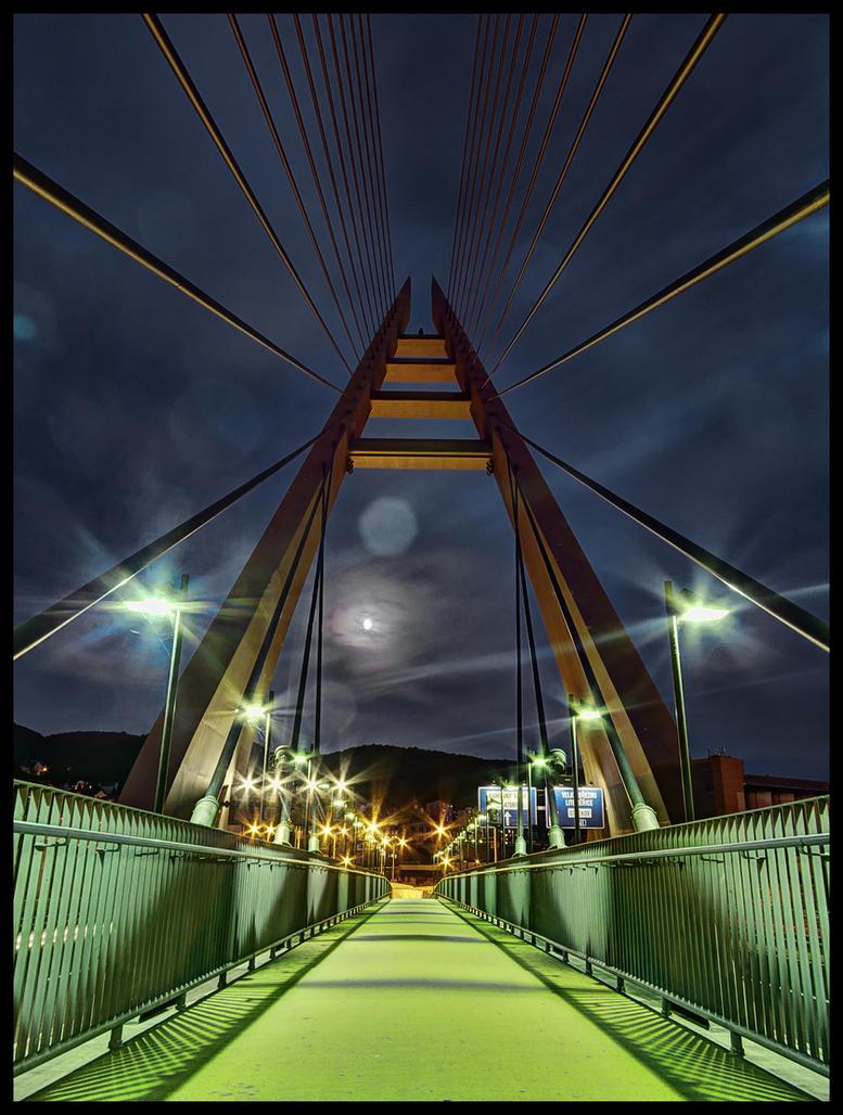 Marian bridge by Pildik