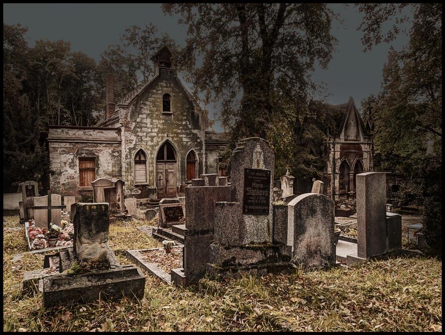 Graveyard Pod vyhlidkou by Pildik