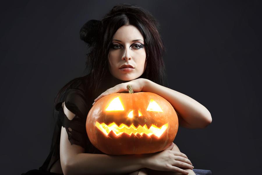 sad halloween by Luria-XXII