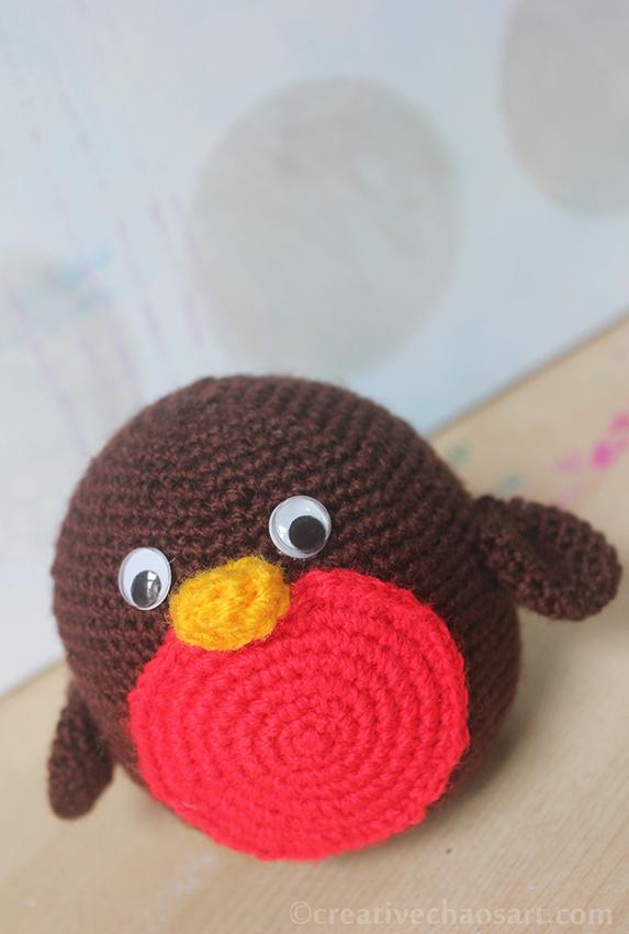 Crochet Robin by bicyclegasoline