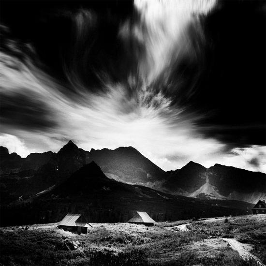 Tartar Valley by KrzysztofJedrzejak
