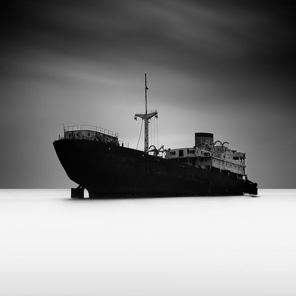 Shipwreck by KrzysztofJedrzejak