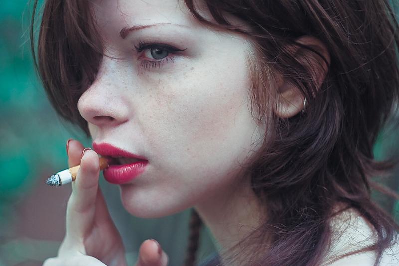 Red lips smoke