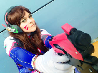 D.Va Cosplay - Overwatch by Edaine