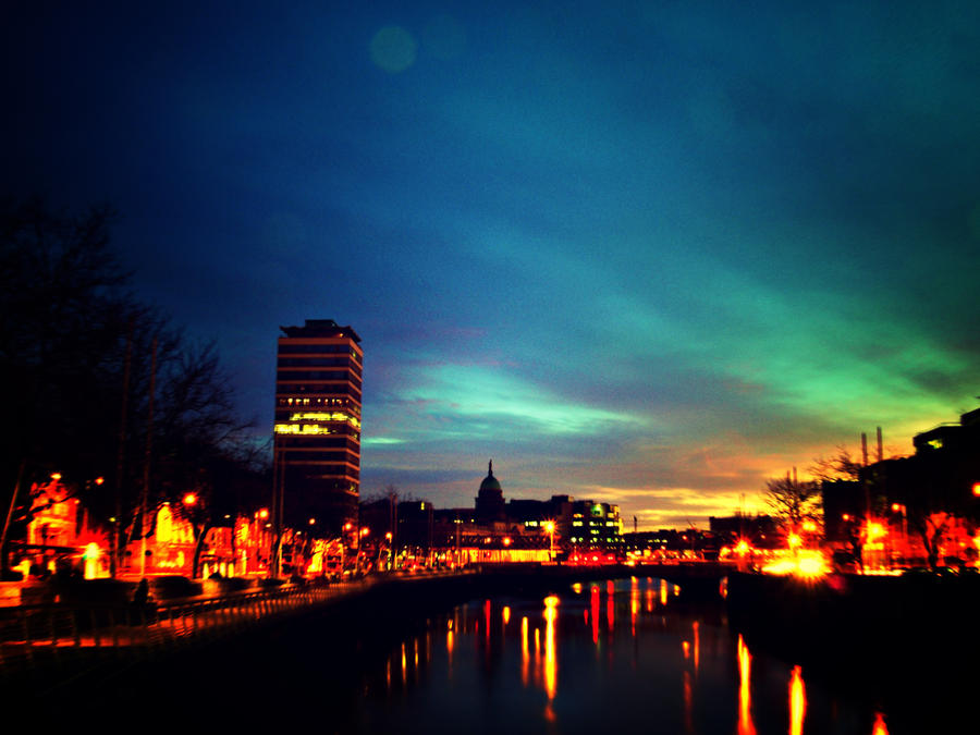 Dublin Quays Lomo by superflyninja