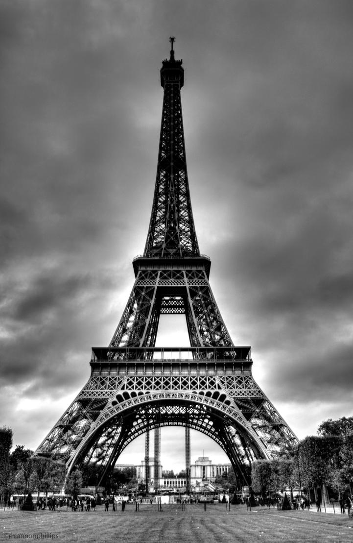 Eiffel Tower by rhiannonphillips