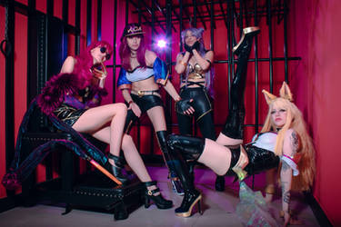 K/DA Cosplay Group II