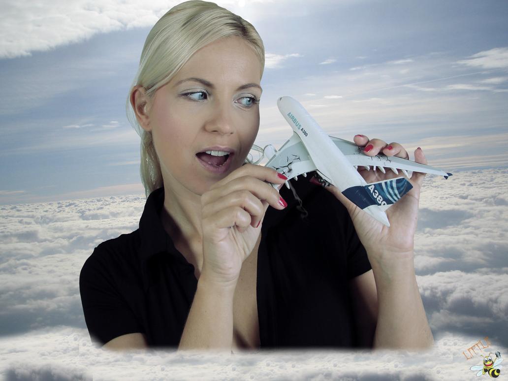 Jenni Plane by LittleBee8705