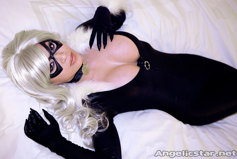 Lounging Kitty by yayacosplay