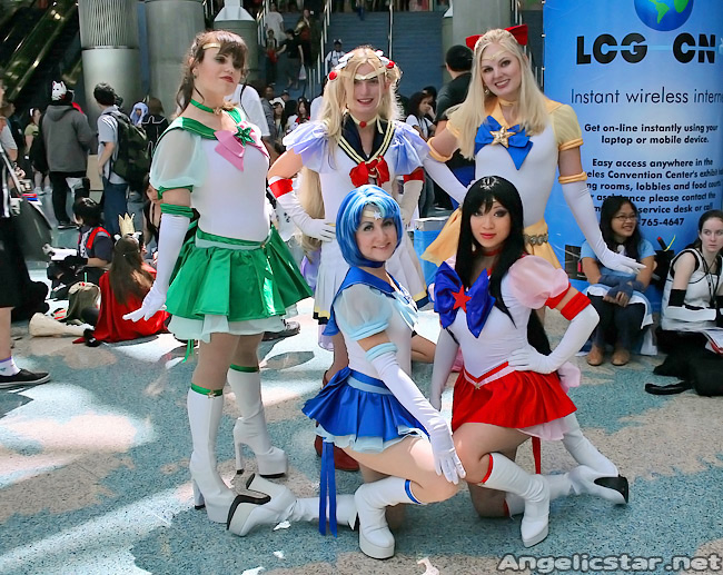 Eternal Sailor Moon group by yayacosplay