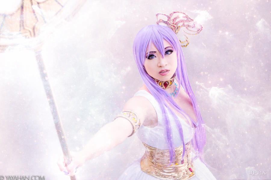 Athena - Saint Seiya by yayacosplay
