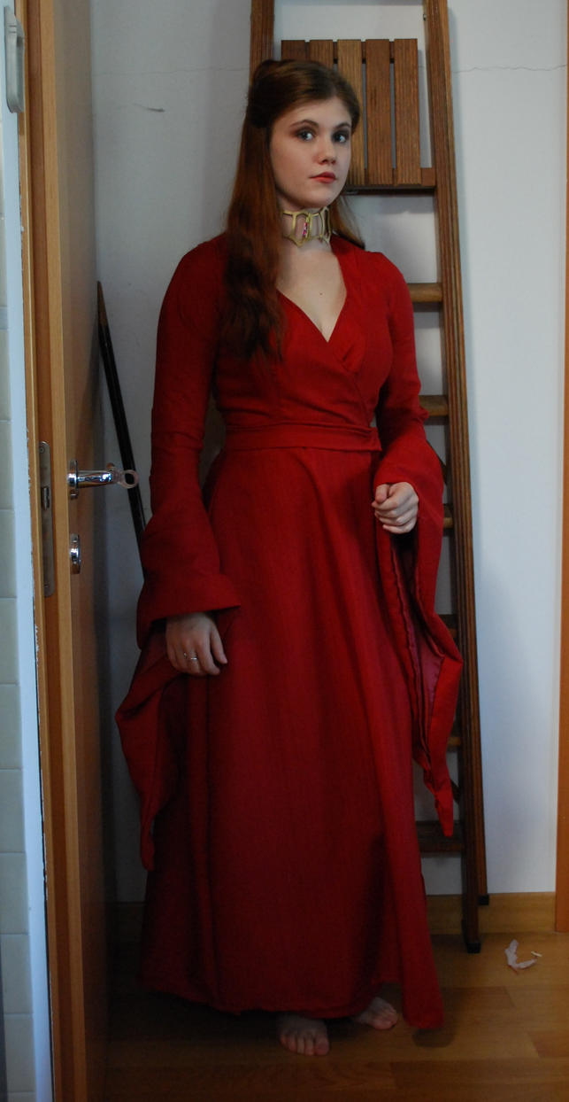 NO SPOILERS] I donned my Melisandre costume for the finale tonight ...