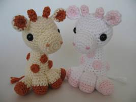 Amigurumi Giraffes by djonesgirlz