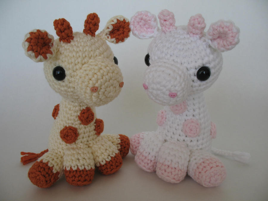 Crochet Patterns For Giraffe : Amigurumi Giraffes by djonesgirlz on DeviantArt