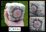 Crochet Weighted Companion Cube