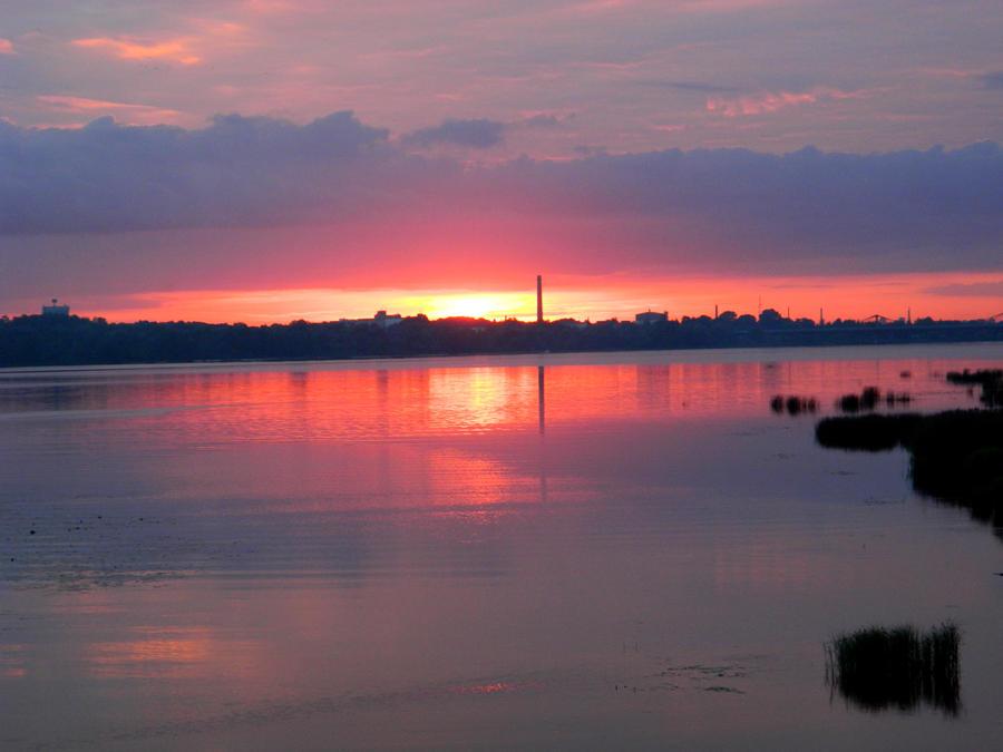 Sunset by KikyBee