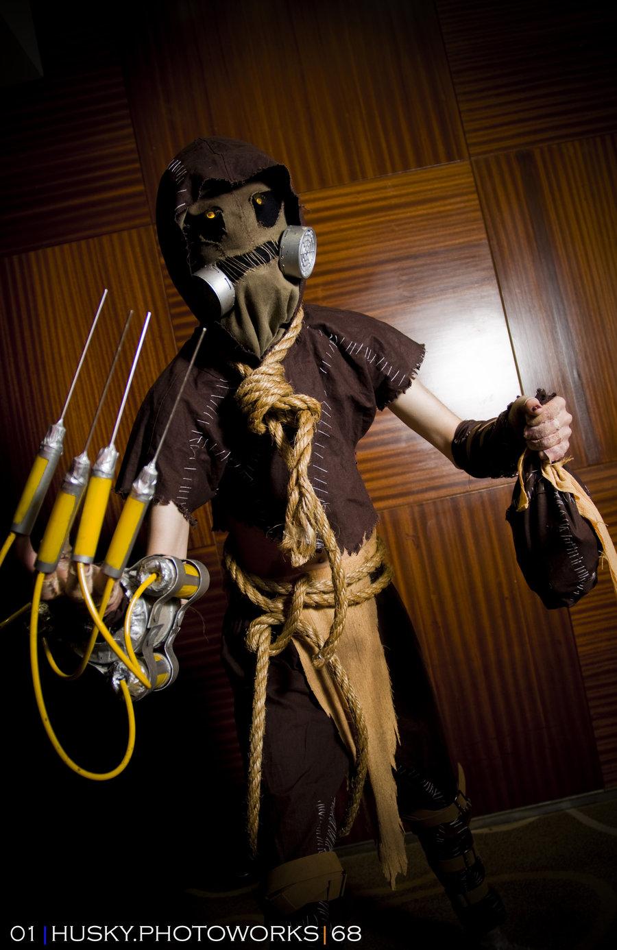 Batman:Arkham Asylum Scarecrow Cosplay at AFA 2011 by Kurenai-Misuzu