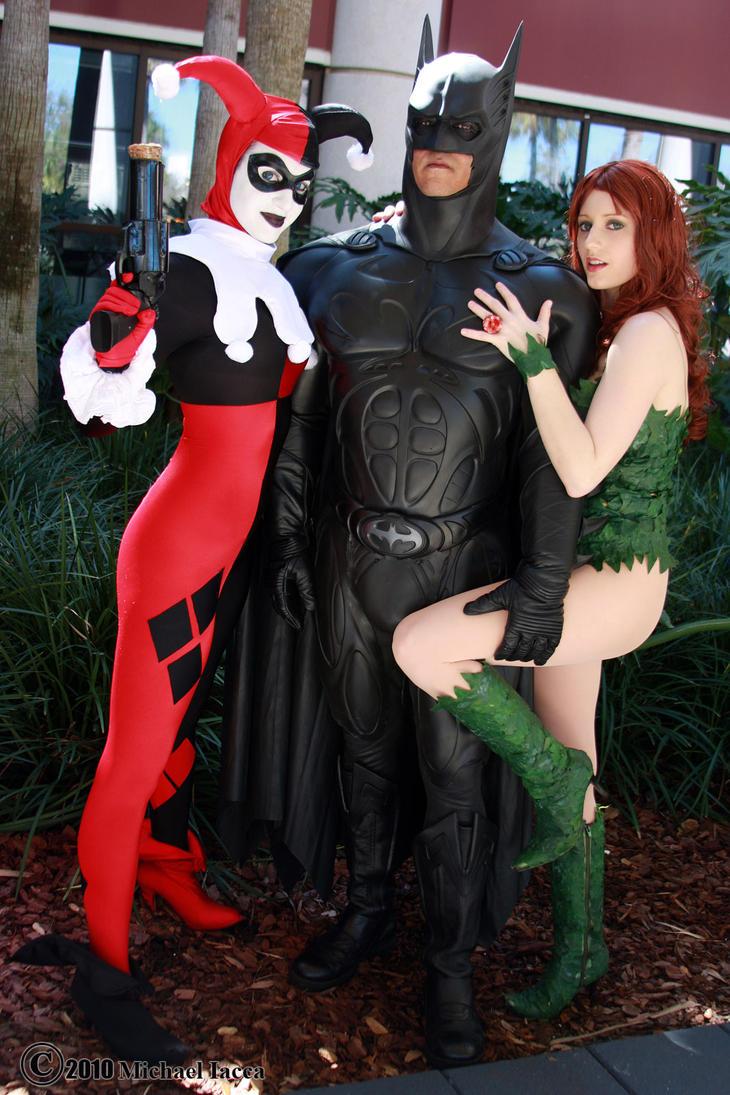 Harley, Batman and Ivy