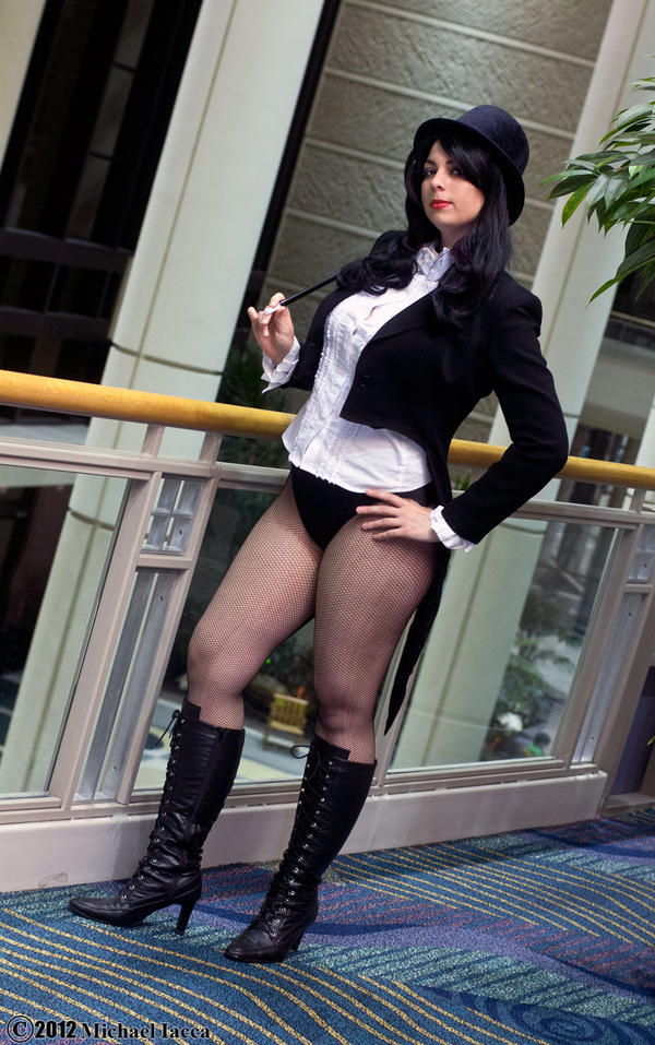 Zatanna Zatara 2 by Insane-Pencil
