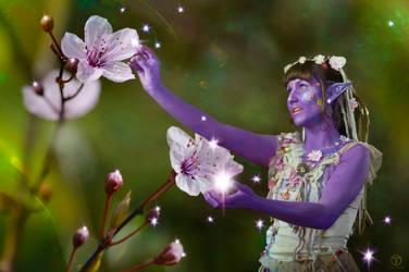 Flower Elfin by theogroen