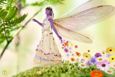Lara Flower Fae by theogroen