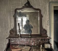Ghost by stengchen