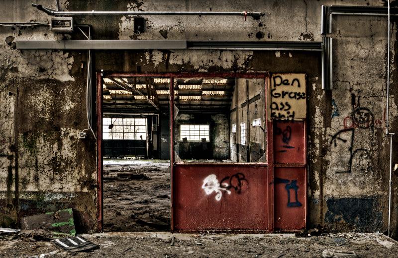 The Red Door by stengchen