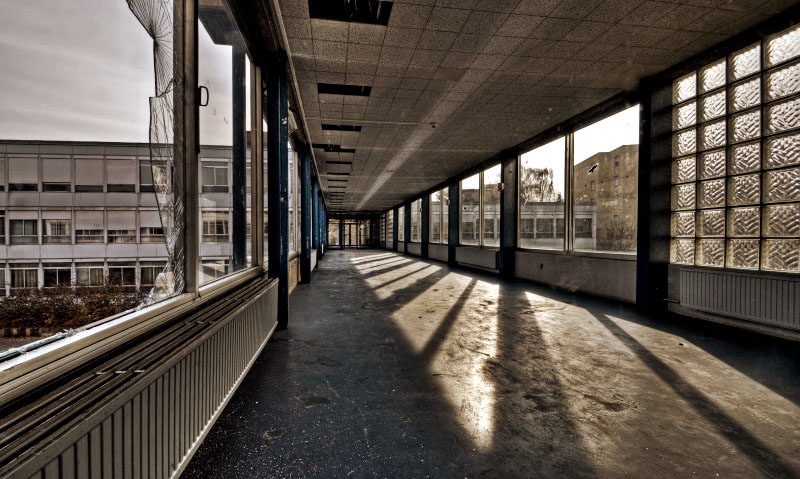 Corridor of Glass by stengchen