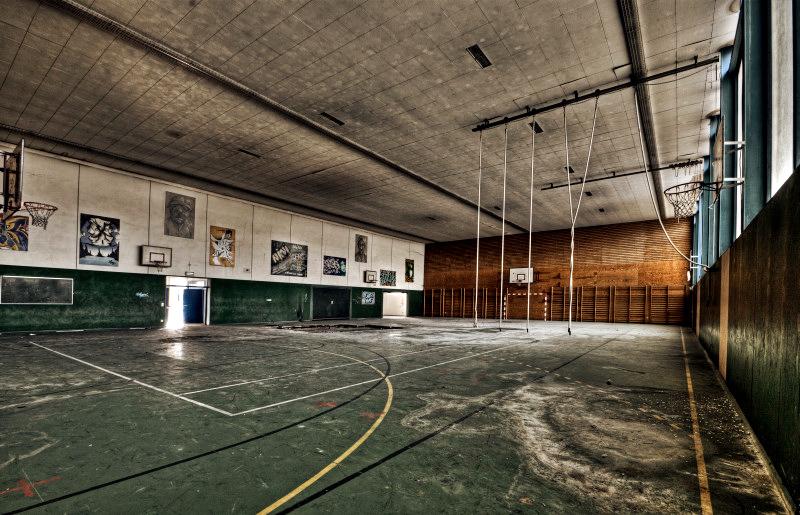 Gymnasium by stengchen