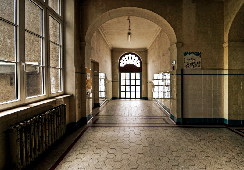 School Entrance by stengchen