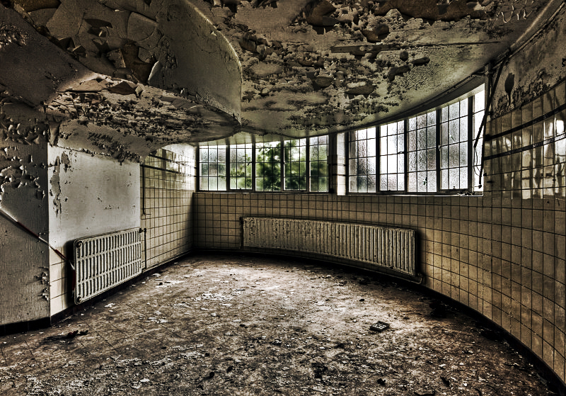 Moldy Corner by stengchen