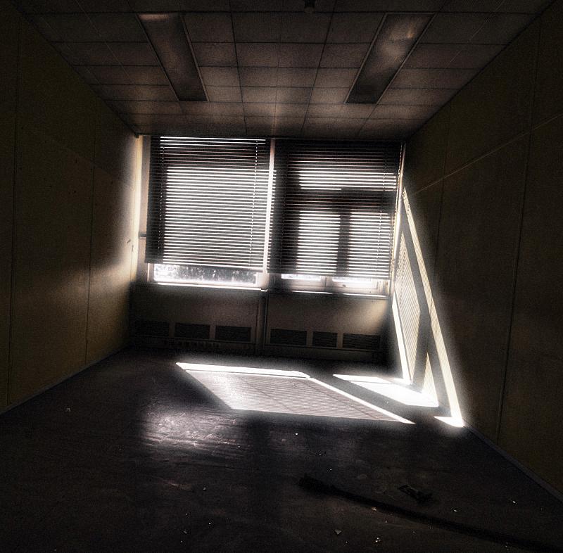 In my Nightmares by stengchen