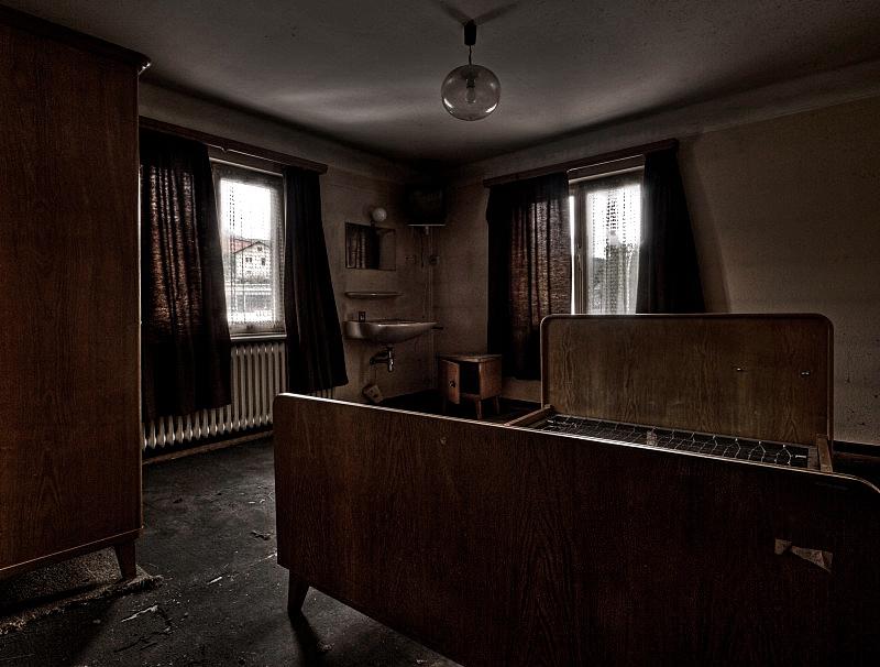 Room 13 by stengchen