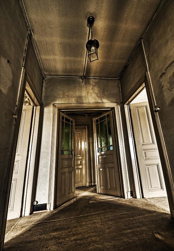 Mad Doors by stengchen