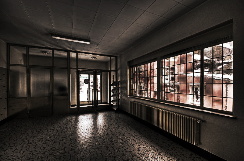 Waiting Room by stengchen