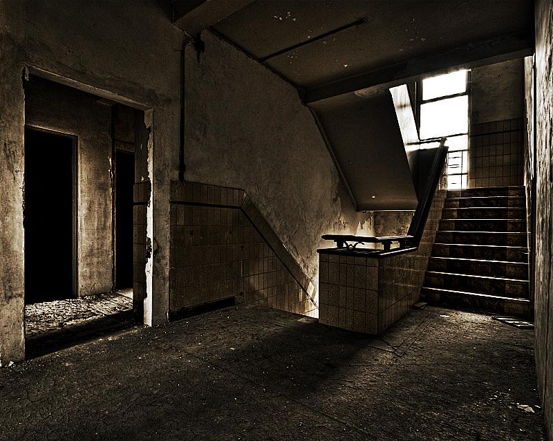 Staircase by stengchen