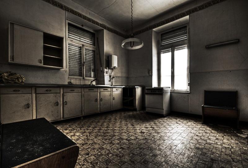 Forgotten Diner by stengchen