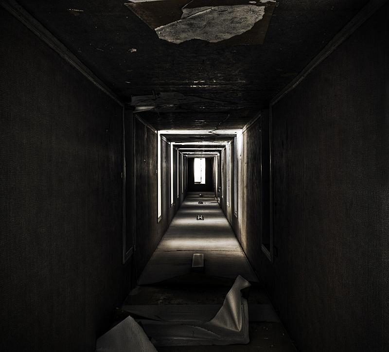 Twisted Corridor by stengchen