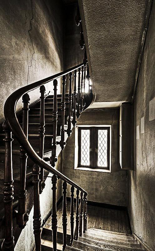 Hallway Stairs by stengchen