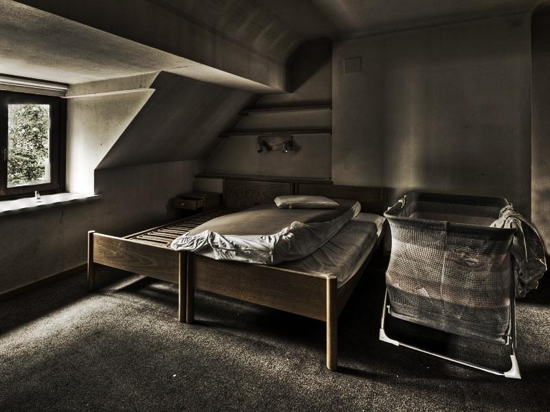 Free Room by stengchen
