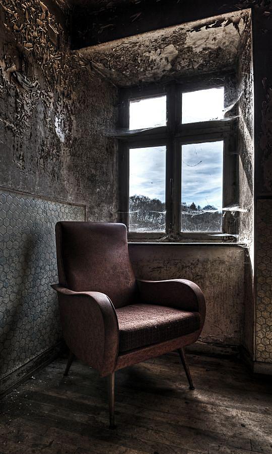 Red Chair by stengchen