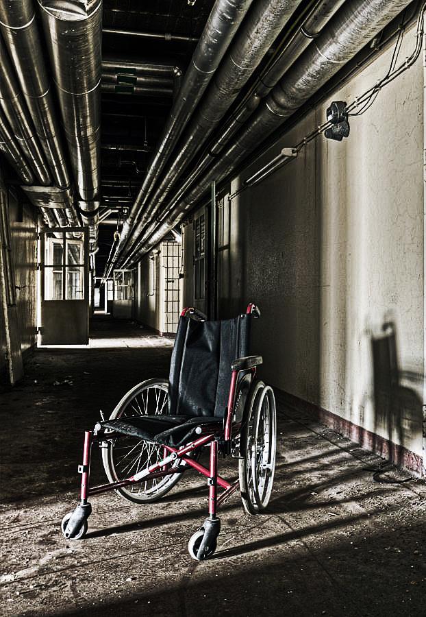 Wheelchair in the Light by stengchen
