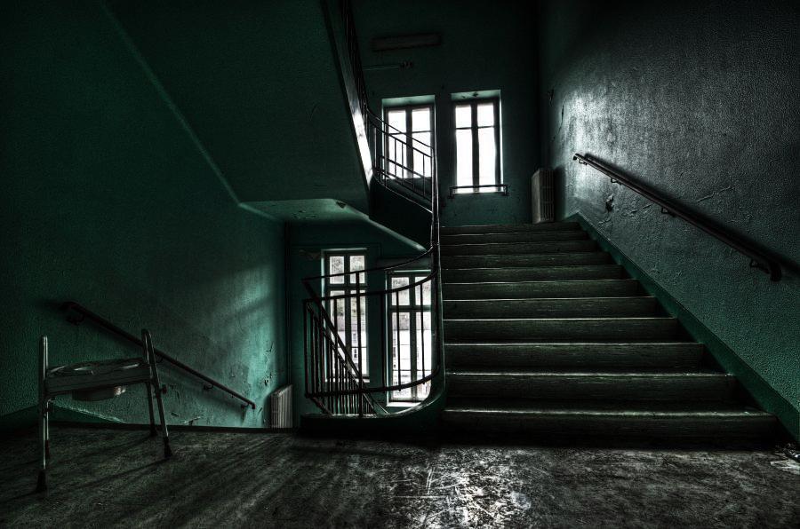 Green Stairs by stengchen
